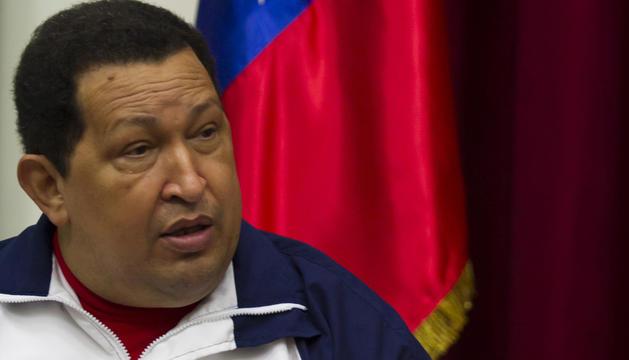 El presidente venezolano, Hugo Chávez, durante unas reunión celebrada este viernes en el Palacio Miraflores con su homólogo uruguayo.