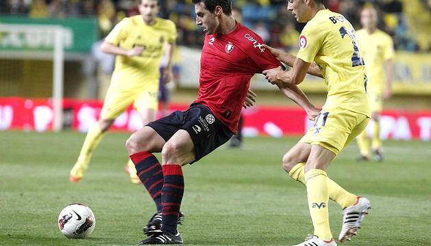 Imágenes del encuentro correspondiente a la 36ª jornada de la Liga BBVA de Primera División disputado en el estadio de El Madrigal entre Villarreal y Osasuna. El resultado final fue 1-1.