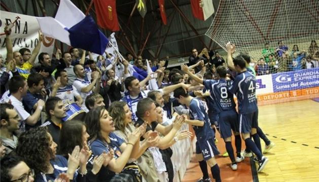 El Ríos Renovables celebra su éxito con la afición
