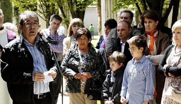 Javier Caballero (i), hijo del concejal de UPN Tomás Caballero, asesinado en un atentado terrorista perpetrado hace catorce años por ETA.