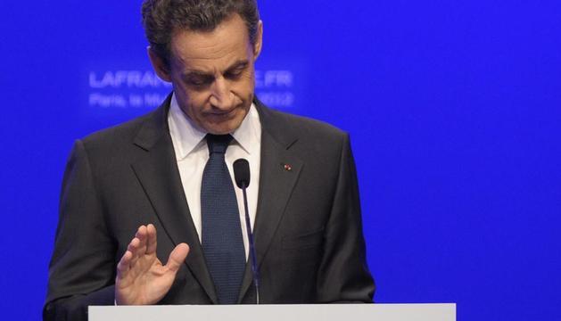 El presiente Nicolas Sarkozy reconoce su derroya en las elecciones presidenciales francesas