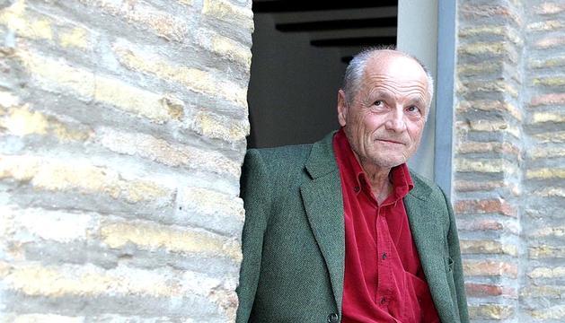 El pintor español Antonio López ( Tomelloso, Ciudad Real, 1936) ha sido galardonado este miércoles con el Premio Príncipe de Viana de la Cultura 2012.