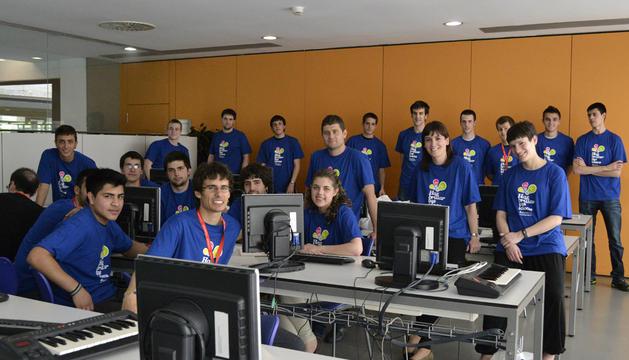 Los alumnos y monitores del taller para crear el plan de negocio de una lavandería industrial.