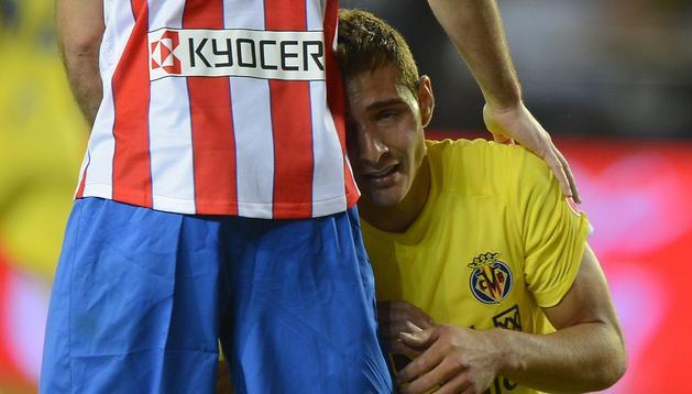 Marco Ruben, de rodillas tras el partido ante el Atlético de Madrid