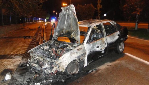 El coche accidentado en el polígono de Landaben