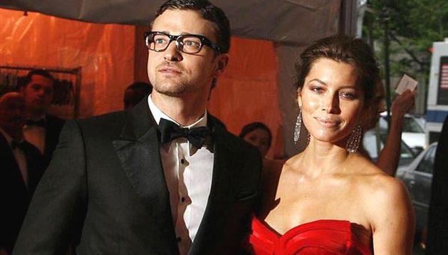 Justin  Timberlake junto a su prometida, Jessica Biel