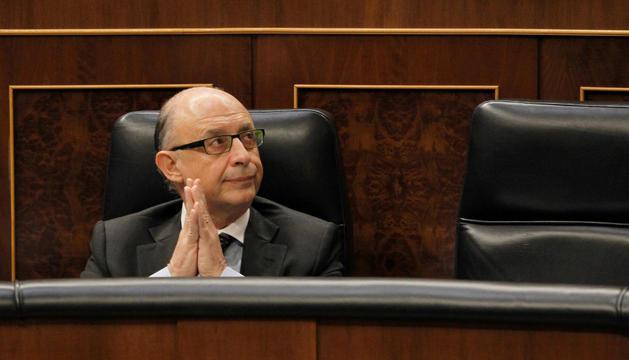 El ministro de Hacienda, Critóbal Montoro, en la sesión de control del Congreso.
