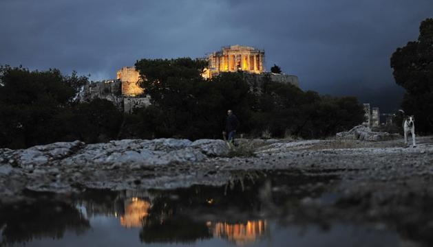El acrópolis, en Atenas