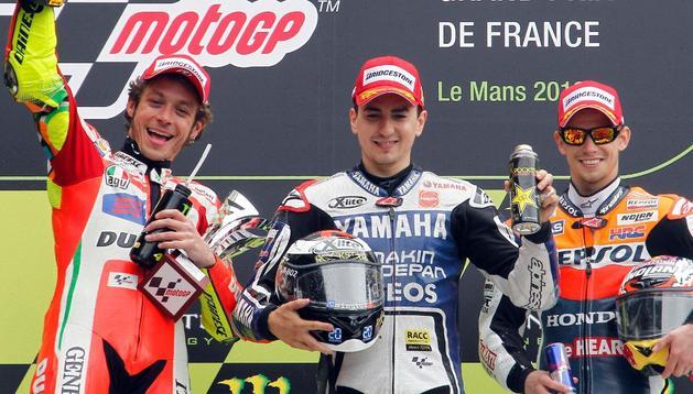 Valentino Rossi, Jorge Lorenzo y Casey Stoner, en el podio de Le Mans