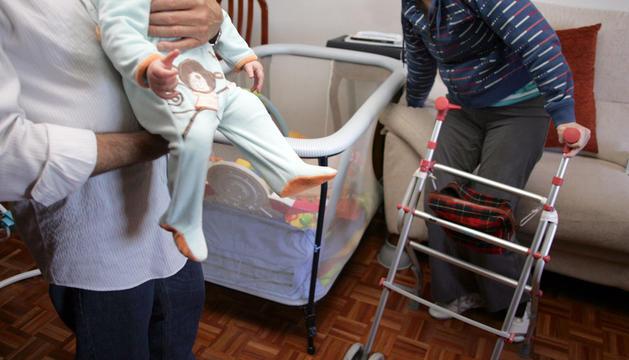 Una paciente afectada por esclerosis múltiple