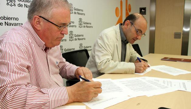 Miguel Ángel Pozueta y Juan Carlos Garde suscriben el acuerdo