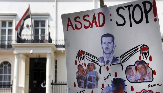 Naciones Unidas alberga serias sospechas de que familias enteras fueron ejecutadas en la localidad siria de Hula de manera sumaria, incluidos mujeres y niños