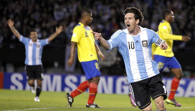 Lionel Messi celebra el tanto marcado a Ecuador en partido correspondiente a la fase de clasificación para el Mundial de Brasil 2014