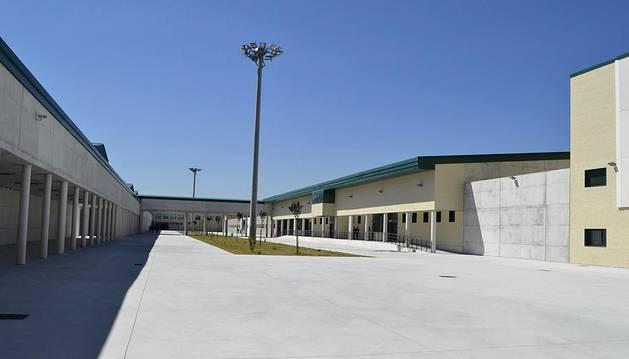 Este 5 de junio de 2012 ha tenido lugar la inauguración de este centro penitenciario y de inserción social en la colina de Santa Lucía