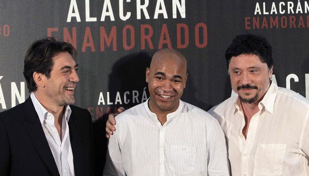 Javier Bardem, su hermano Carlos y Santiago Zannou en la presentación de