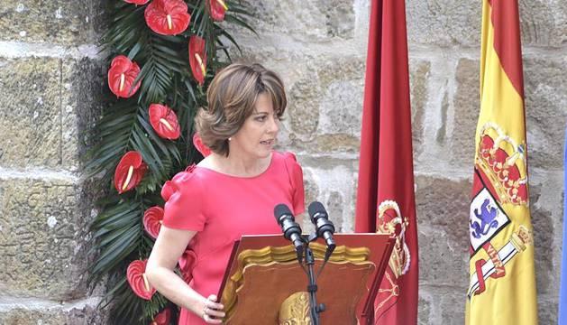 Los Príncipes de Asturias han hecho entrega del galardón al pintor manchego en los aledaños del Monasterio de Leyre.