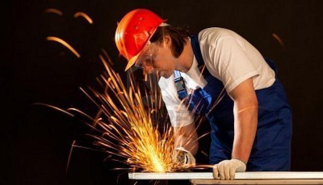 Un trabajador del metal