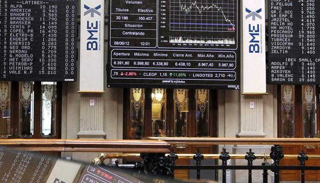 Vista del parqué madrileño el pasado viernes, cuando la Bolsa cerró con una de las mejores cifras del año