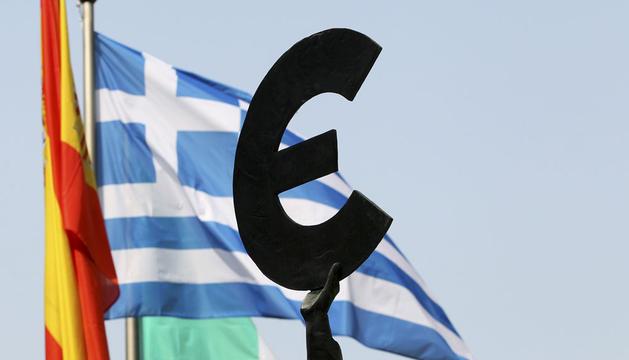 La UE discute imponer controles de capital en Grecia si deja el euro