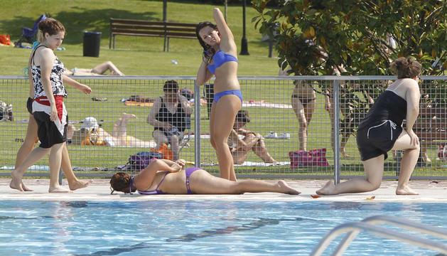 Las piscinas municipales de Aranzadi durante la temporada de verano del año pasado