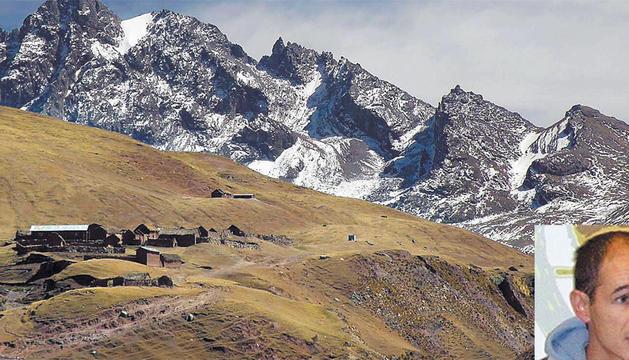 Cordillera de Ausangate, Perú, donde se produjo el alud y una foto de Mikel Aingeru García.