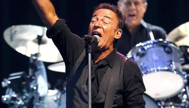 Última actuación en España del cantante norteamericano Bruce Springsteen que llenó el estadio Santiago Bernabéu de Madrid.