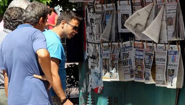 Leyendo las portadas de este lunes, en Atenas