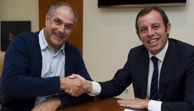 Sandro Rosell, junto a Andoni Zubizarreta, que este martes ha firmado su contrato de renovación con el Barcelona