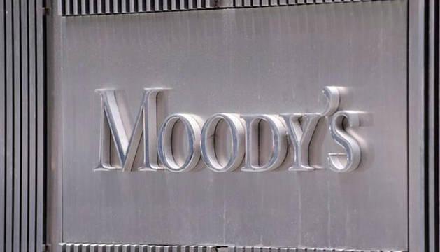Cartel de la agencia calificadora Moody's en su oficina de Nueva York