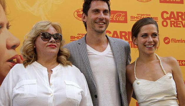Carmina Barrios, Paco León y María León durante la presentación este martes de la premiada ópera prima del actor