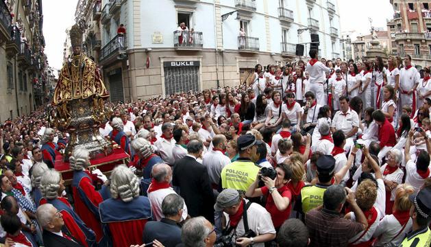 En la procesión de San Fermín