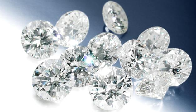 Varios diamantes