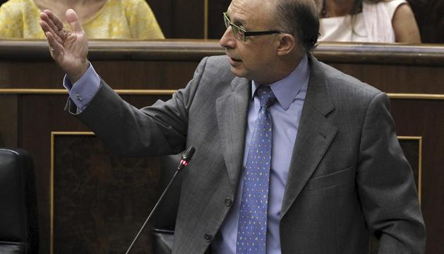 Cristóbal Montoro, en la sesión de control en el Congreso
