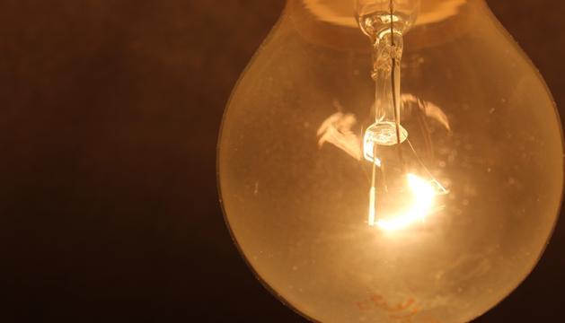 La subida del IVA afectará a facturas de la luz, agua, telecomunicaciones y gas correspondientes a los meses de julio y agosto