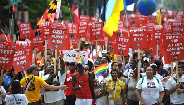 La marcha estuvo secundada por activistas por los derechos de los homosexuales y transexuales