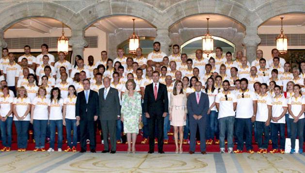 Los Reyes y Príncipes de España recibieron a la delegación de deportistas españoles antes de su partida a Londres
