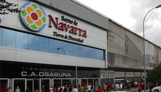 Fachada exterior del estadio de Osasuna