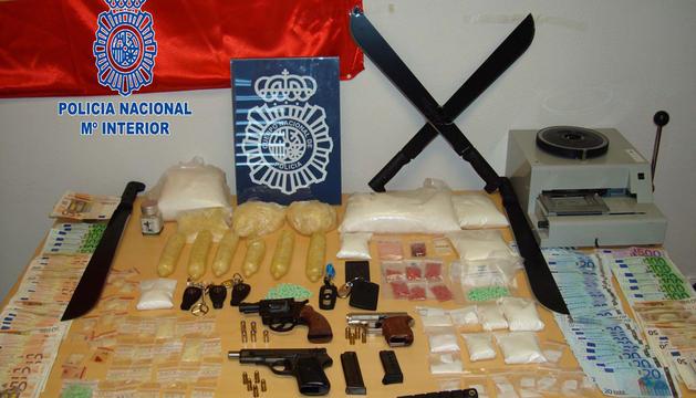 Intervenidas 300 pastillas de la droga 'Kai Xin Guo', cuyo valor en el mercado por kilo alcanza los 70.000 euros en España.