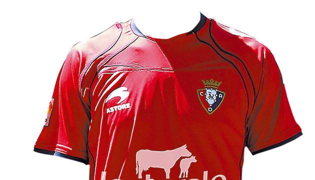 Así lucirá la camiseta de Osasuna con el anuncio de Lacturale.