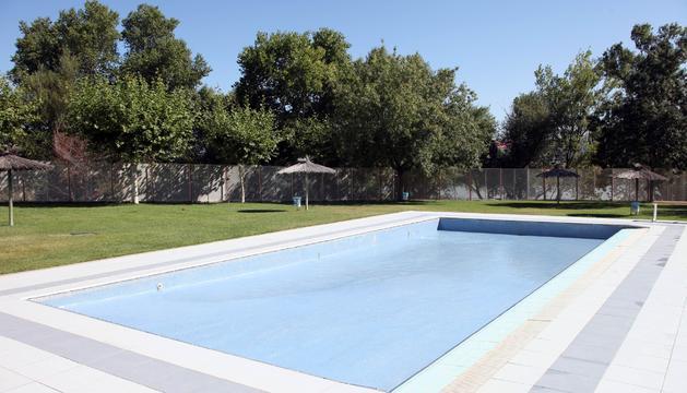 Siguen los problemas con el agua de la piscina de ribotas noticias de tudela y ribera en - Agua de la piscina turbia ...