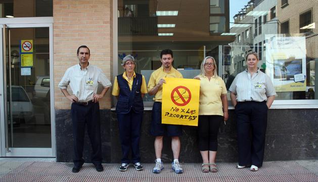 Los trabajadores de correos contra los recortes en el for Oficina turismo tudela
