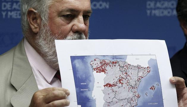 Cañete, este jueves, analizando los incendios de España