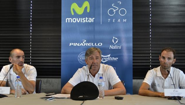 Juanjo Cobo, Eusebio Unzué y Alejandro Valverde, en la rueda de prensa que han concedido