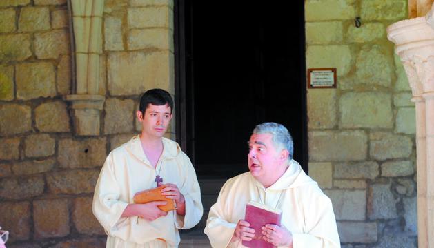 Javier Hernández (izda) y Pedro Echávarri, de Kilkarrak, en la presentación de las visitas a Iranzu