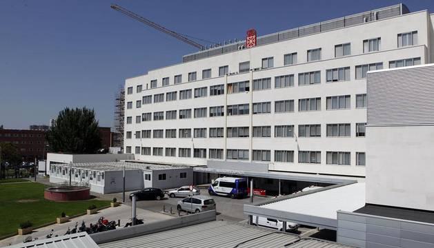 Imagen de la fachada del hospital materno-infantil del Complejo Hospitalario de Navarra