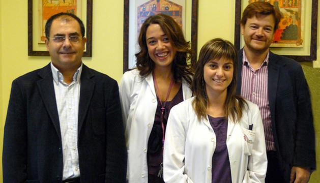 De izqda. a dcha., Manuel J. Cuesta, Lucía Moreno, Ana Sánchez Torres y Victor Peralta, también director de Salud Menta