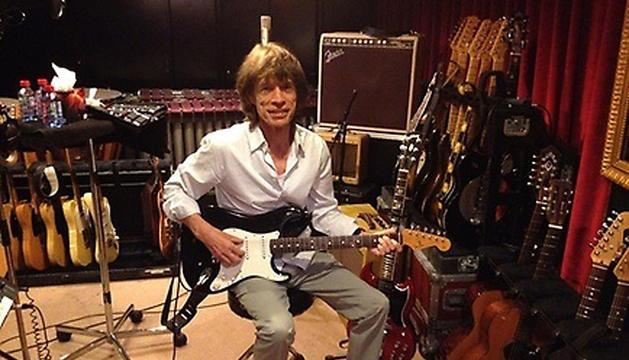 Mick Jagger, en el estudio de grabación de París.