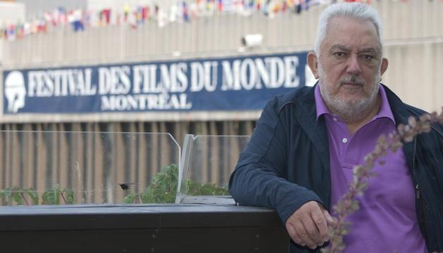 El director de cine español Imanol Uribe, posando durante el Festival de Filmes del Mundo de Montreal (Canadá)