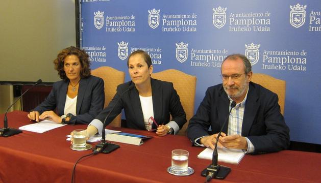 Barkos, con Gómez y Cabasés, este lunes en el Ayuntamiento