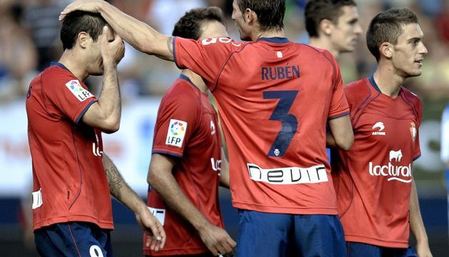 Rubén felicita a Emiliano Armenteros